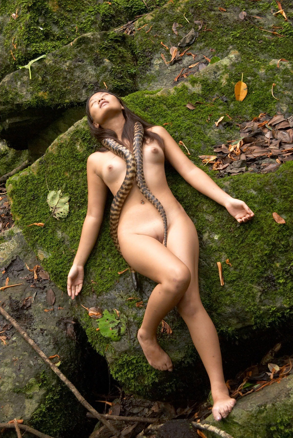 Naked jungle girls video download free — img 9